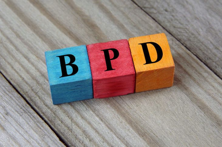 57031933 - bpd (borderline personality disorder) acronym on wooden backgroud